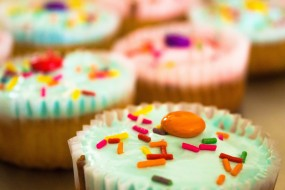 decorated cup cakes close up